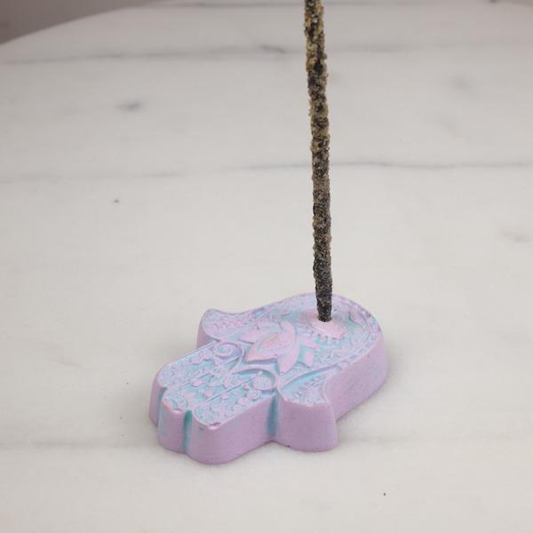 Porta inciensos Hamsa Pink Purple 1 Humos.cl — Humos.cl