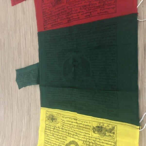 Bandera tibetana vertical xxl 4 Humos.cl 1 — Humos.cl