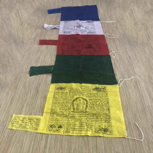 Bandera tibetana vertical xxl 7 Humos.cl 1 — Humos.cl
