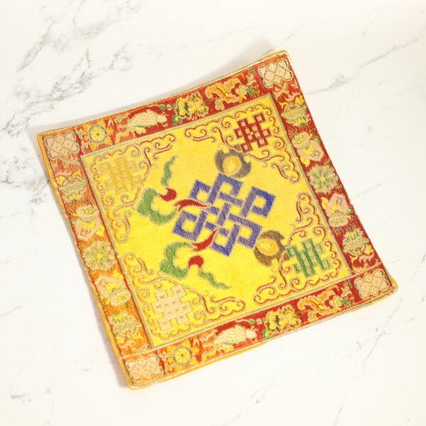 Tapete de Seda para tu Altar Nudo Tibetano • Humos.cl